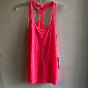 NWT Under Armour Breast Cancer Awareness Tank